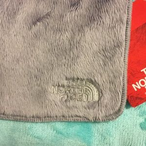 The North Face Accessories - 🆕 ‼️FINAL PRICE‼️ Grey North Face Youth Scarf